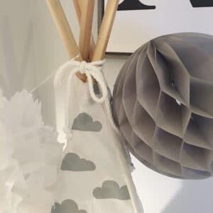 Meintipi Wölkchen Tipi Zelt Kinderzimmer Spielzelt Weiß Grau mit Wolken