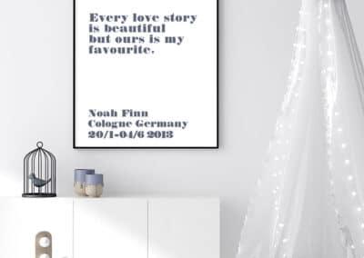 Meintipi Lovestory Poster Typographie Personalisiert Liebe Blau Weiß